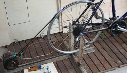 stromerzeugung mit dem fahrrad und kfz lichtmaschine. Black Bedroom Furniture Sets. Home Design Ideas
